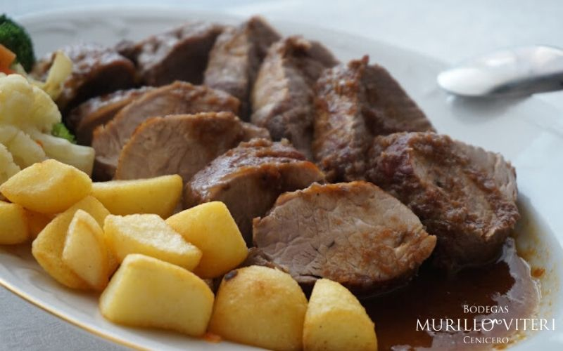 sirloin steak in red wine sauce